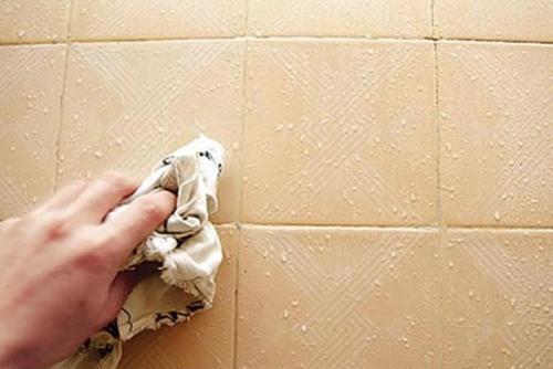 卫生间瓷砖污垢怎么办?四招搞定卫生间瓷砖污垢!